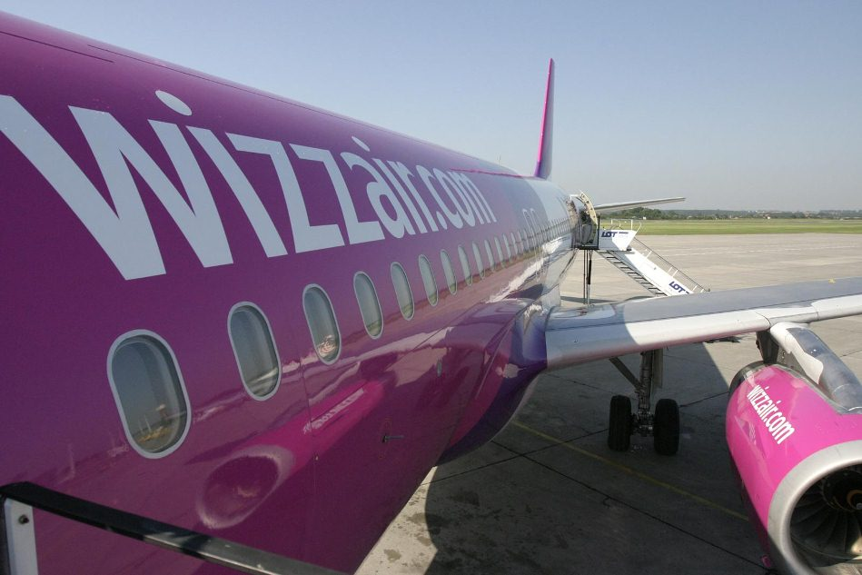 2013-07-03_02_Wizz Air Aircraft Poland