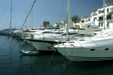 2013-07-03_07_Yachts Harbour Marina