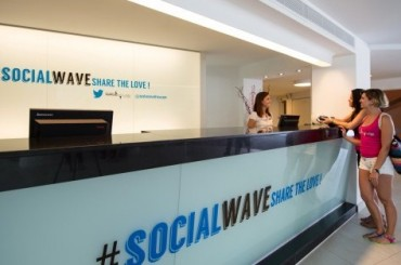 2013-07-24_05_Sol Wave House Hotel Twitter Reception Mallorca Spain