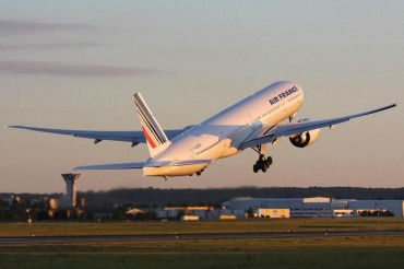 2013-07-30_04_Air France Aircraft Airplane Take Off