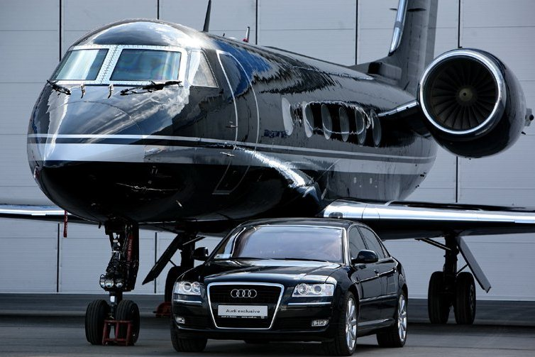 2013-08-12_06_Jet Expo Russia Vnukovo Moscow Business Jet Aircraft and Car