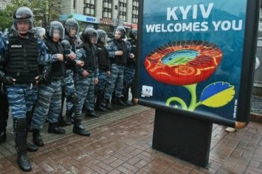 2013-10-27_05_Ukraine Kiev Welcomes You Police Special  Forces