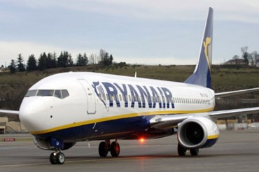 2013-11-01_03_Ryanair Aircraft Airplane