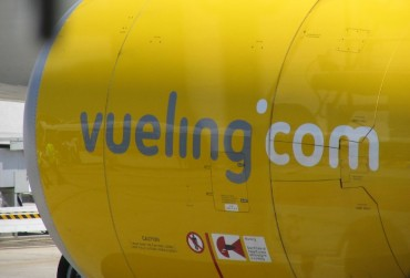 2013-11-17_04_Vueling Airline Spain Turbine Aircraft