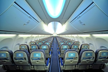 2013-11-19_03_Flydubai Aircraft Airplane Rows Seats Cabin