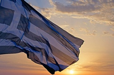 2013-12-06_02_Greece Flag Sunrise