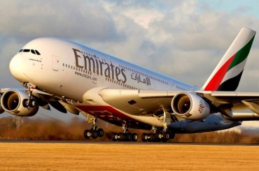 2014-01-19_01_Emirates Airbus A 380 Aircraft Take Off