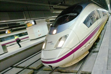 2014-01-29_03_Fast Speed Train Spain AVE RENFE