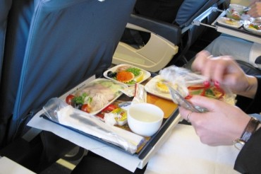 2014-02-27_02_Food Onboard Board Aircraft Airplane Cabin