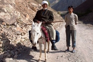 2014-03-03_01_Tajik People Tajikistan Old Man Boy Donkey Mountains