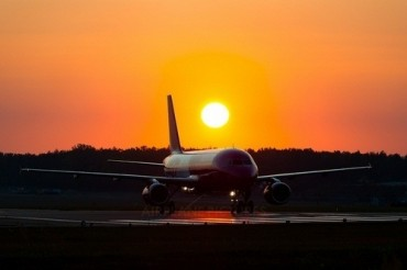 2014-03-05_03_WizzAir Wizz Air Aircraft Airplane Airbus A320 Airport Sunset Evening