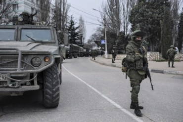 2014-03-12_03_Crimea Seizure Invasion Invadors Russian Troops in Ukraine