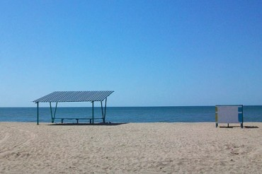 2014-05-20_03_Azov Sea Empty Beach Ukraine Donetsk Region