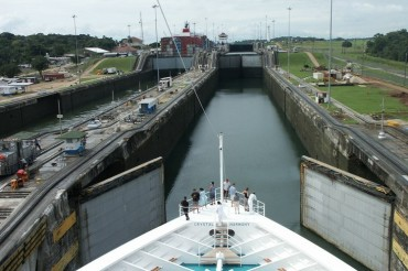 Panama-Canal-Ship-Goes-Through.