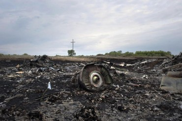 2014-07-19_03_Boeing-777 Malaysia Airlines Passenger Jet Airplane Plane Crash Down by Terrorists in Ukraine