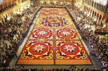 2014-08-17_03_The Brussels Grand Place Flower Carpet Belgium
