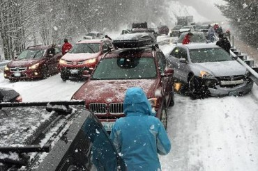 2015-01-02_02_new hampshire ashland traffic accident snow usa