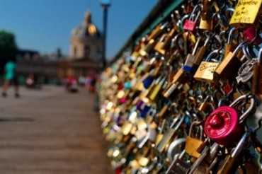 2015-06-01_03_Pont Des Arts Paris Bridge Locks France