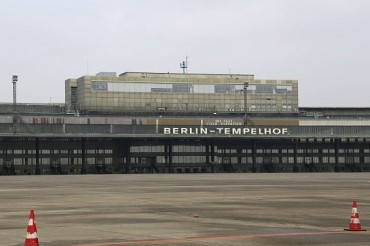 2015-09-04_02_Berlin Templehof Airport Germany Refugee