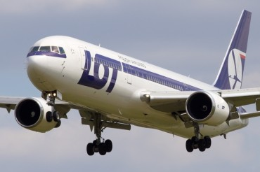 lot-polish-airlines-boeing-767-35